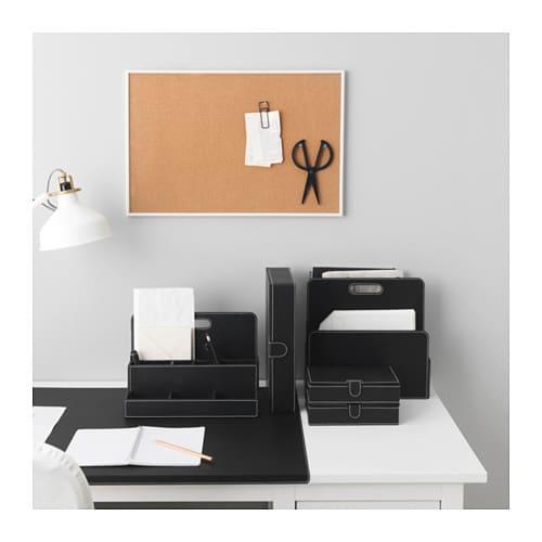 portariviste da parete meglio il fai da te oppure no. Black Bedroom Furniture Sets. Home Design Ideas