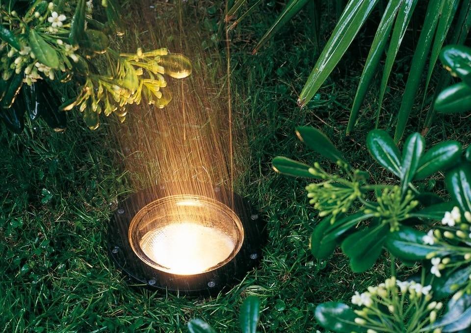 Luci da giardino come illuminare esternamente le caldi estati - Illuminazione da giardino solare ...