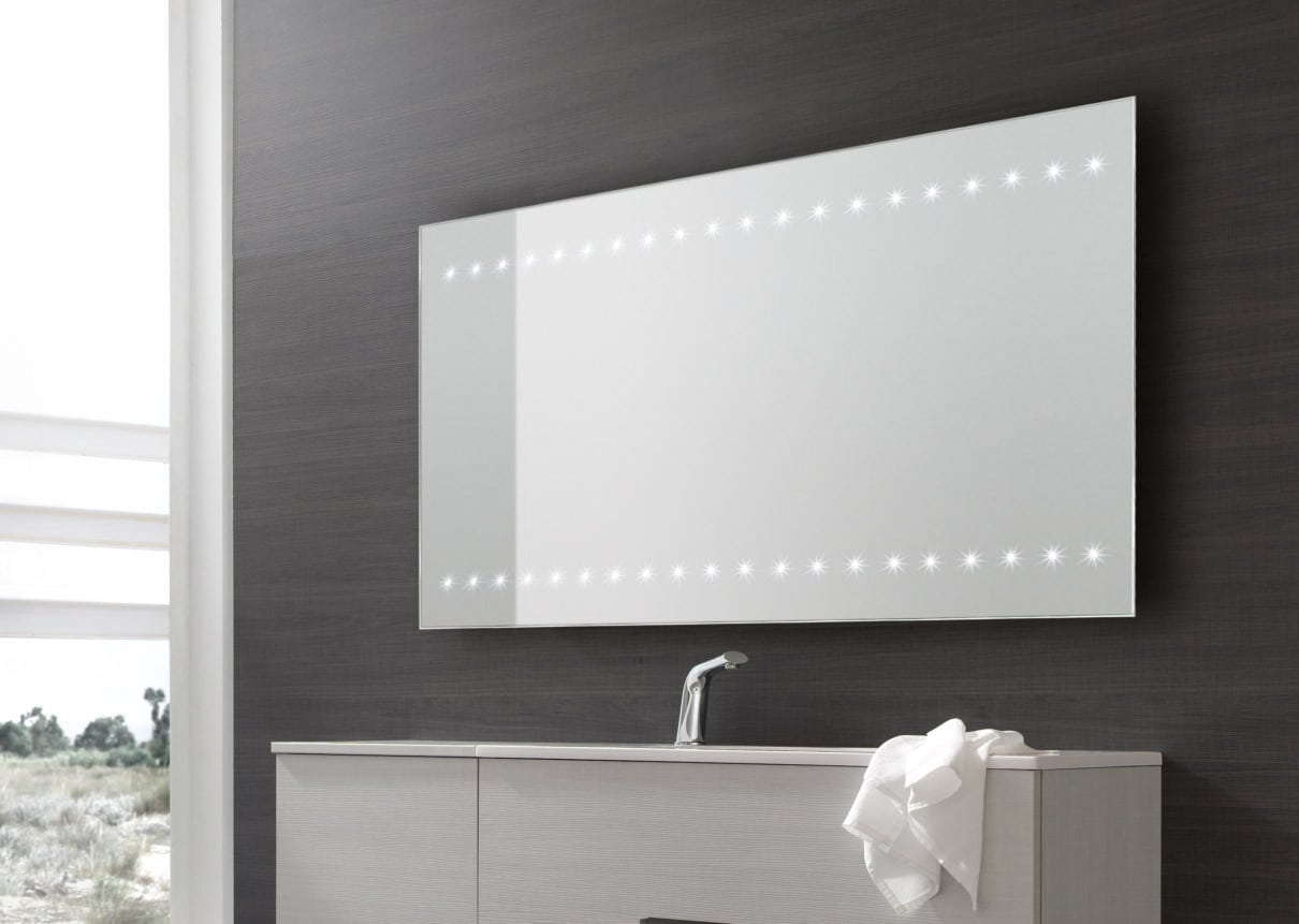 http://www.vestocasa.it/wp-content/uploads/2016/07/specchio-bagno-led.jpg