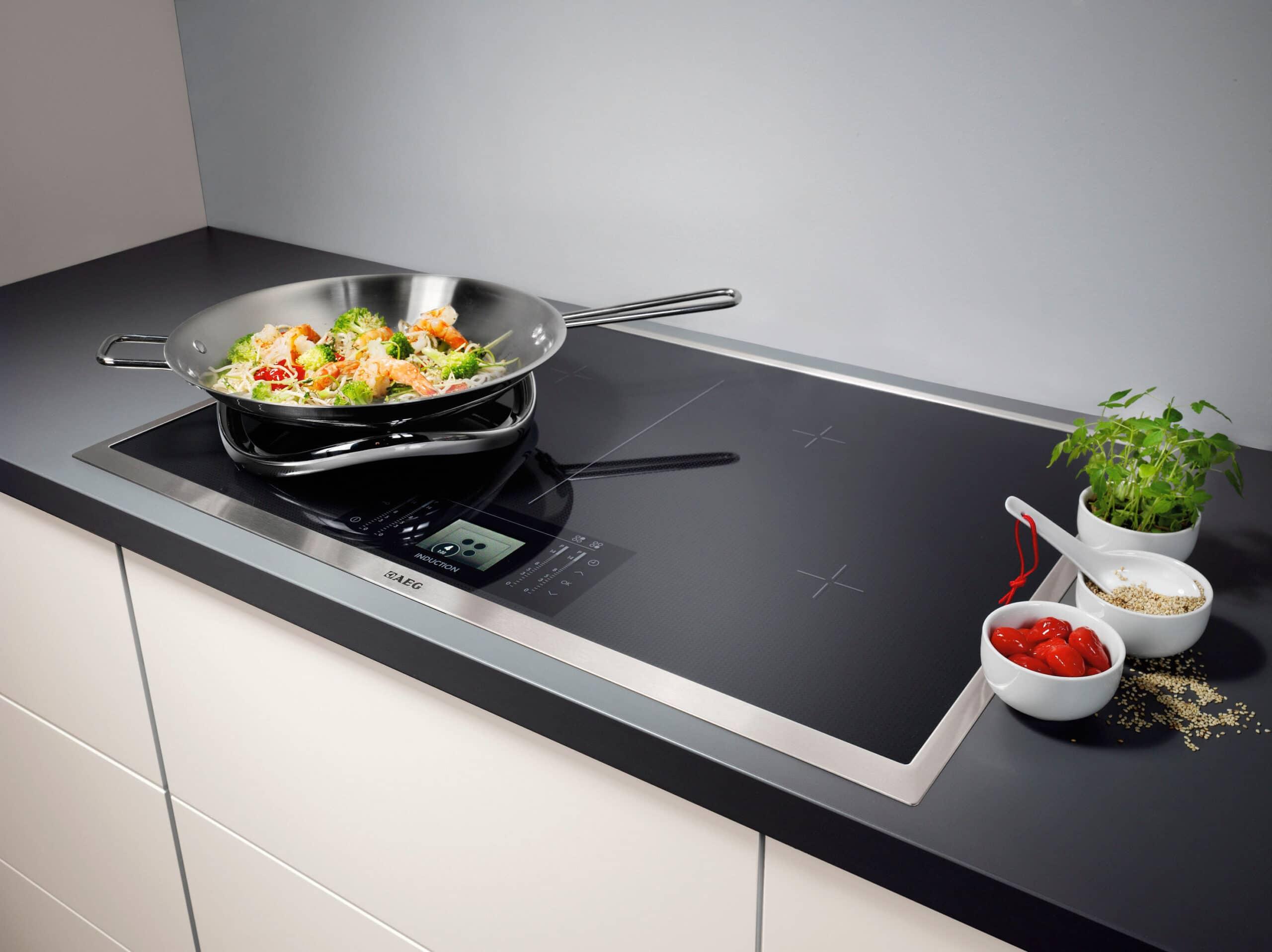 Piano cottura incasso elemento essenziale in cucina for Piani principali del padrone del piano principale