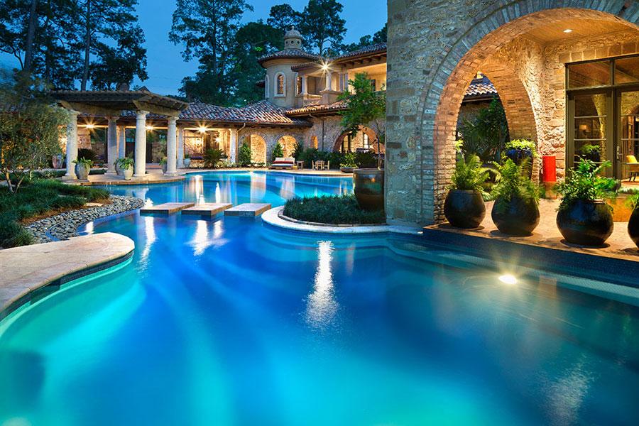 Stai pensando di realizzare una piscina ecco alcune idee for Piscine da sogno e da record