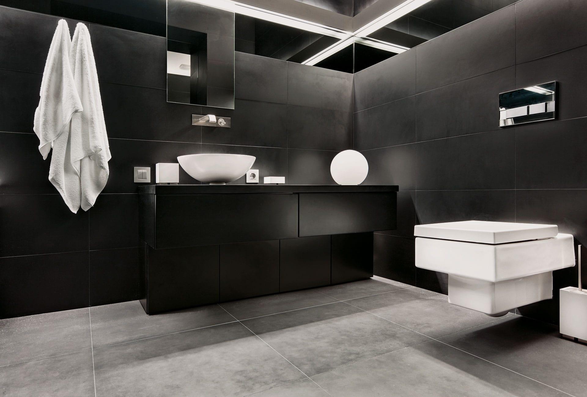 bagni neri, giochi di contrasti per una stanza da bagno elegante e ... - Bagni Moderni Neri