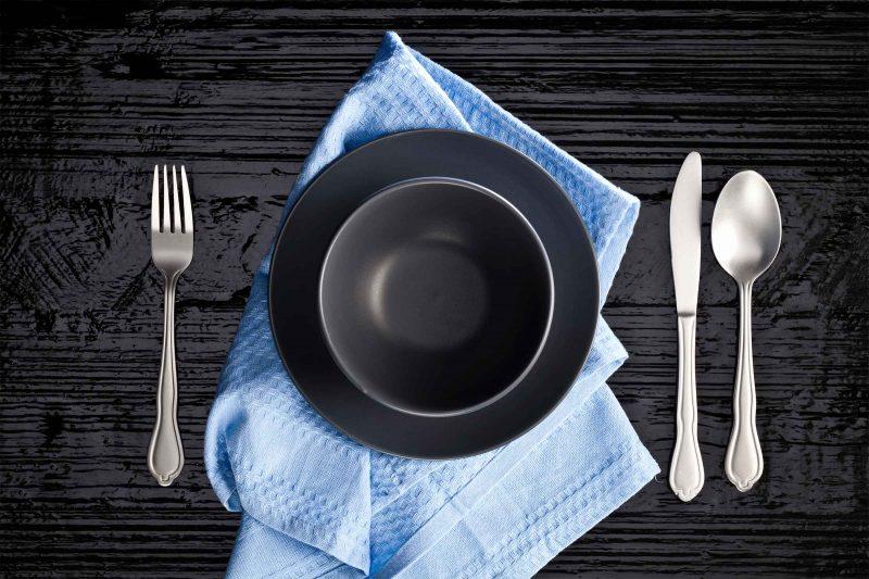 servizio piatti tondo nero