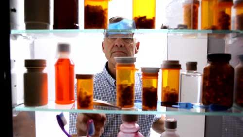 armadietto medicinali
