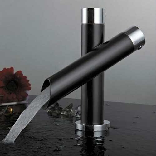 rubinetti di design nero e cromo