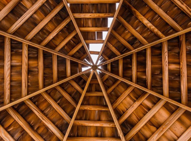 gazebo in legno tetto
