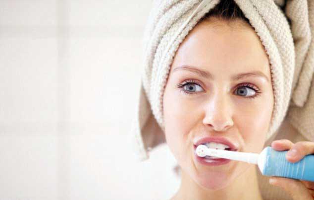 spazzolino-elettrico-uso